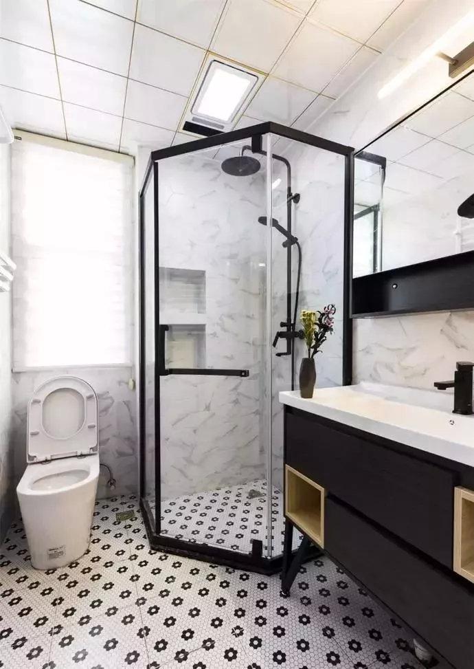 北欧风格卫生间淋浴房装潢设计