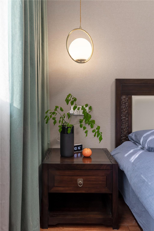 四居室卧室床头柜家装设计