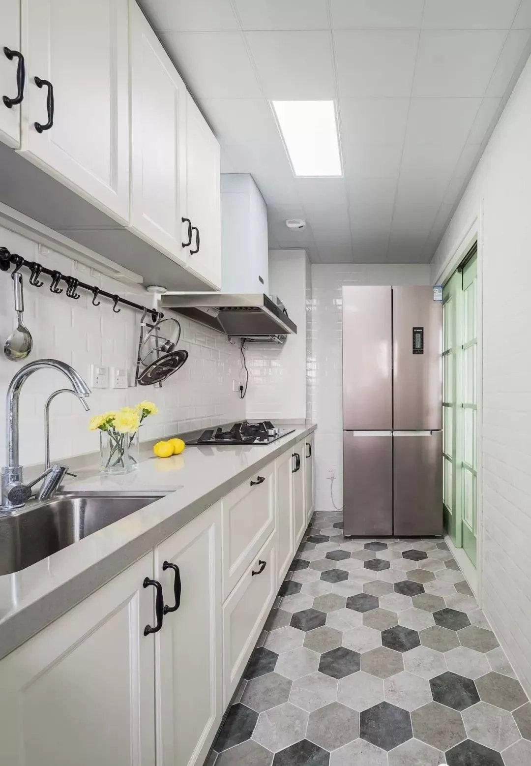 美式风格厨房地砖设计图