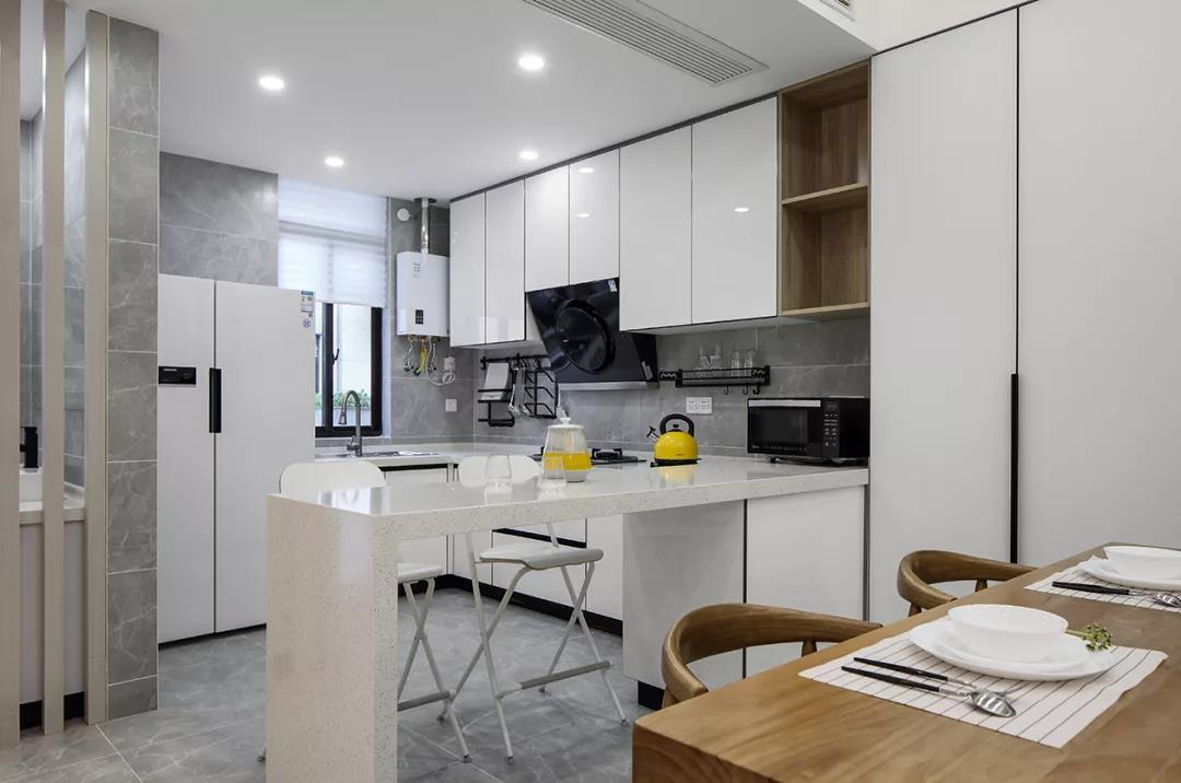180平米厨房吧台案例