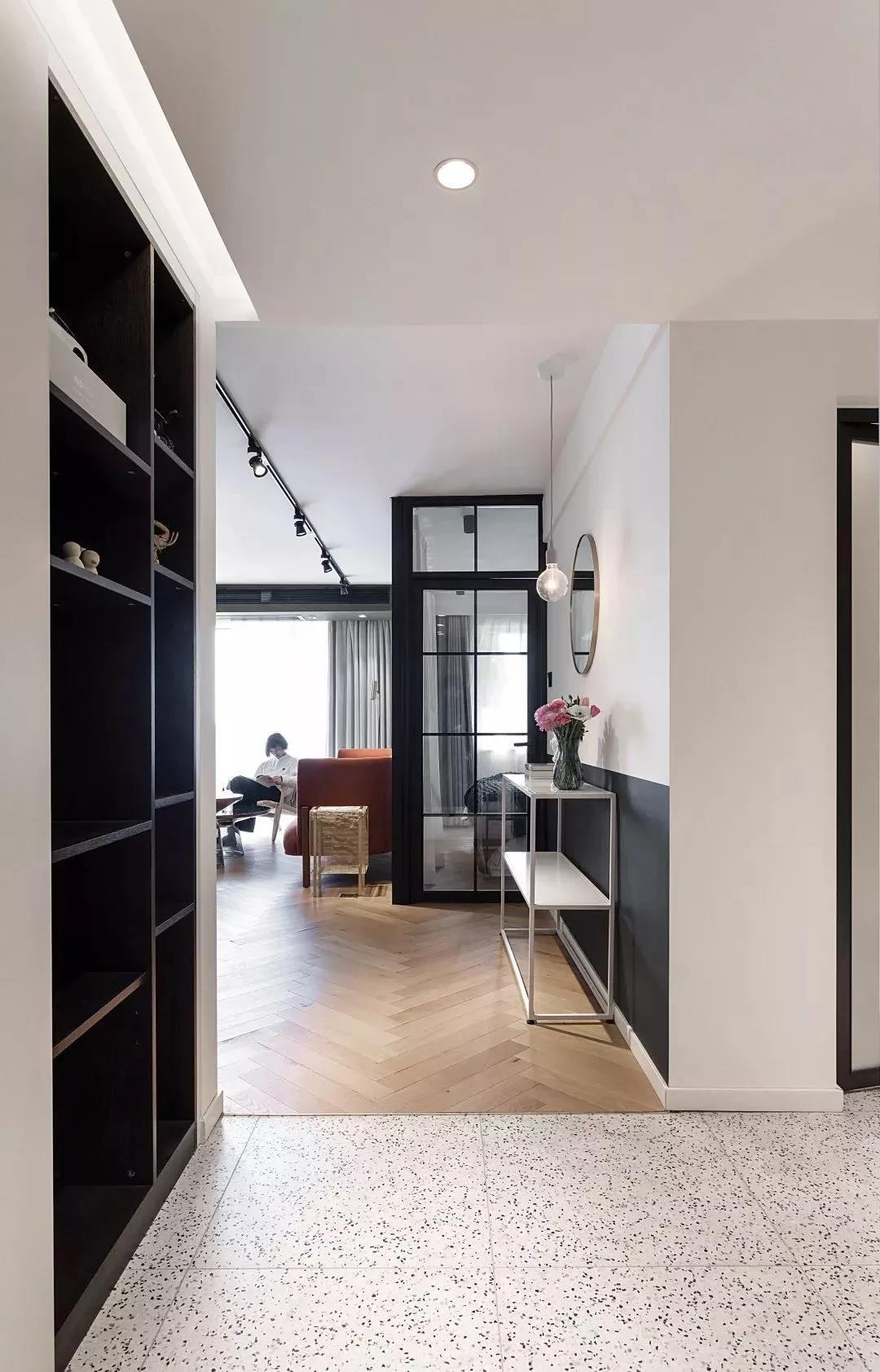 二居室现代简约风格装修图