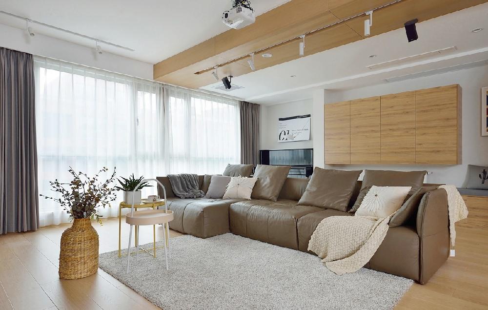 三居室现代简约风格案例图